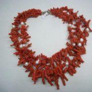 Collana con tre fili frangia e perle