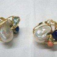 Anello in argento con perle e pietre dure