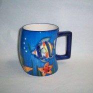Tazza ceramica con pesci